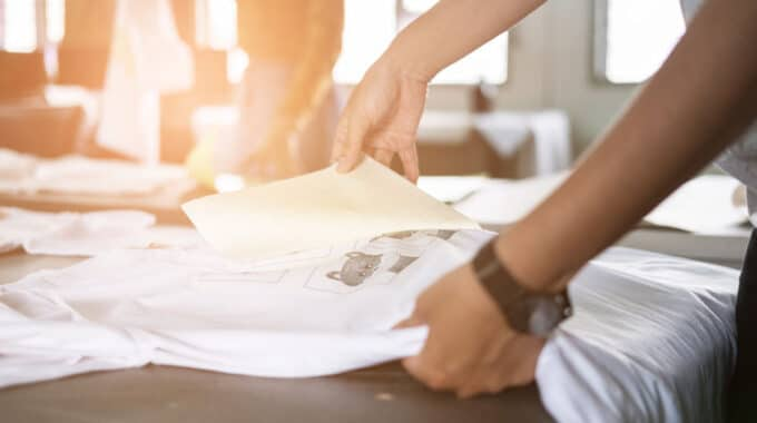 Mit geringem Startkapital selbstständig: Textildruck im E-Commerce